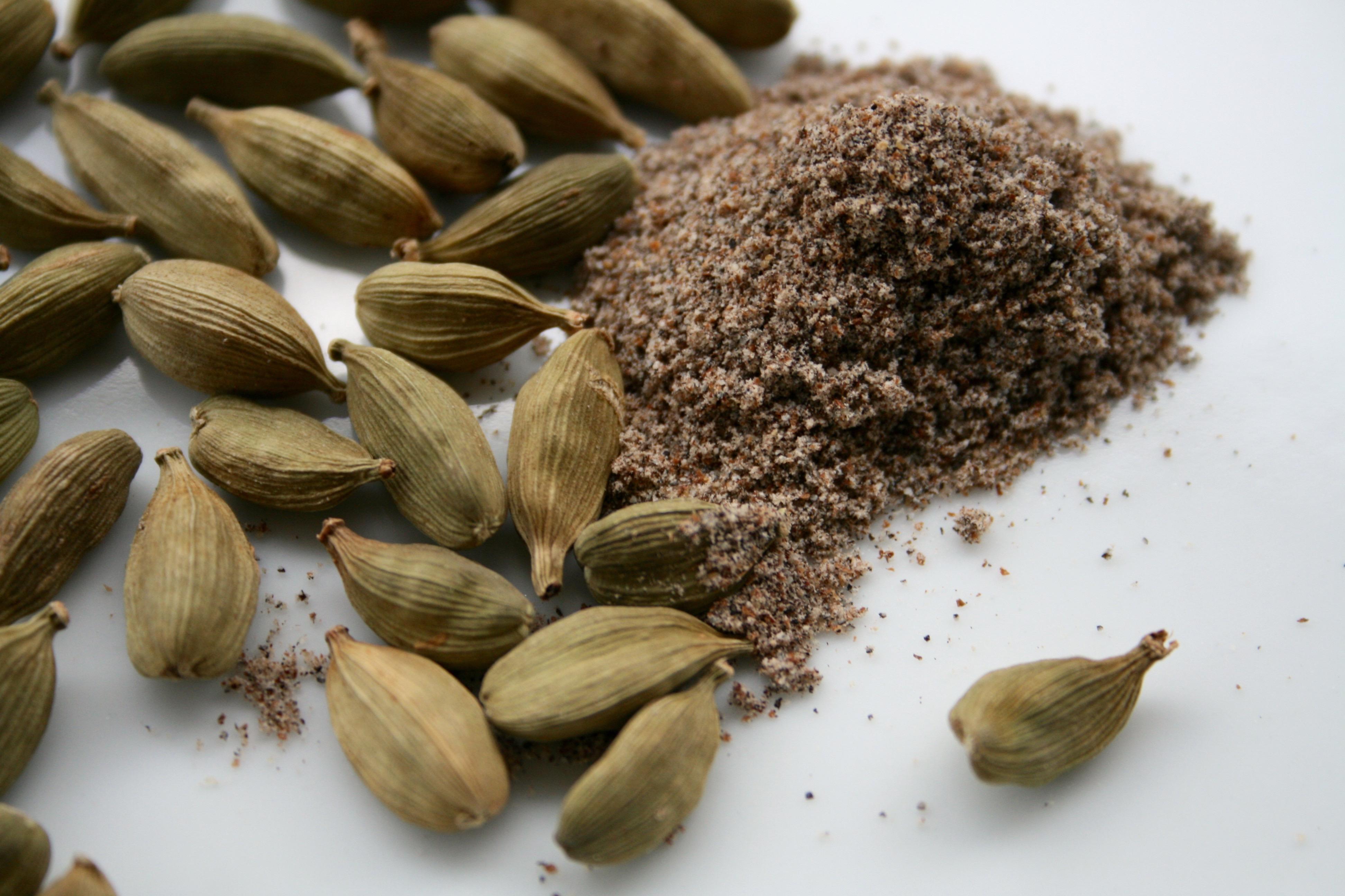 С высоким давлением поможет бороться азиатская специя — кардамон